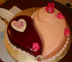 Unique heart happy mother's day cake with fresh roses.PNG