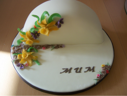 Unique Mother's Day Cake with flowers.PNG