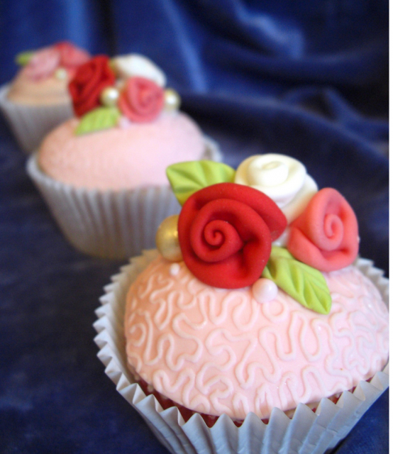Happy Mother's Day cupcakes with roses cake decor.PNG