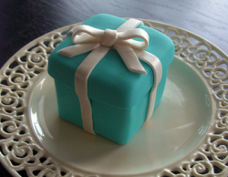 Mini Tiffany box cake.PNG