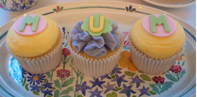 Mum day cupcakes picture.PNG