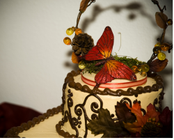 Picture of autumn wedding cake topper.PNG
