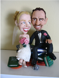 Portrait wedding cake topper decor idea.PNG