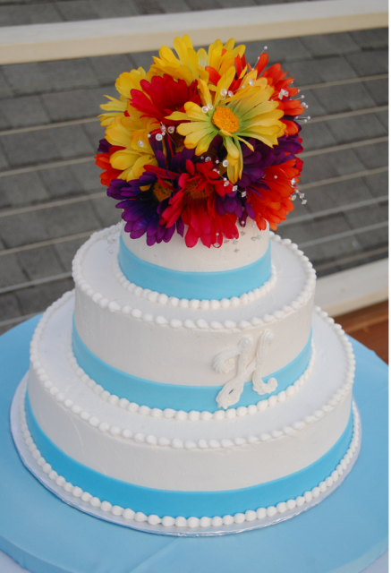 wedding cakes with daisy decorations white with blue ribbons cake decor patterns with 26016