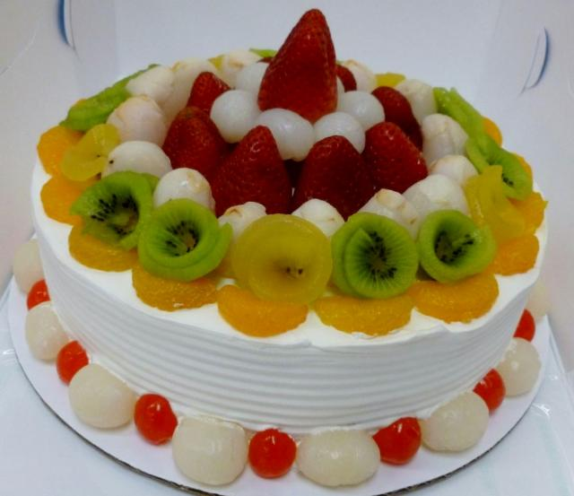 Fresh Fruit White Ice Cream Birthday Cake Strawberries Kiwi Lychee