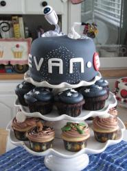 Wall-E theme cake with matching cupcakes.JPG