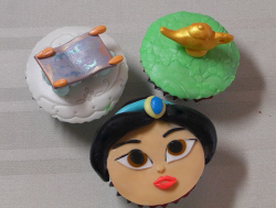 Aladdin Cupcakes toppers_disney cinderella cake topper.PNG