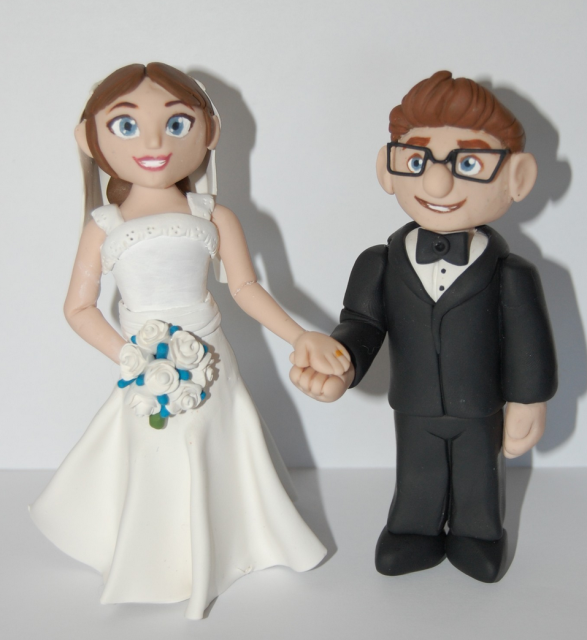 disney up carl and ellie chairs wedding cake topper disney up ellie and carl wedding cake topper png 2 13574