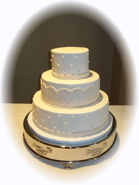 simple wedding cake with style