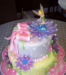 Image of disney fairies cake topper with Tinkerbell.PNG