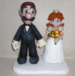 Luigi and Daisy Cake Topper photo.PNG