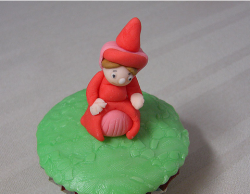 Flora cupcake topper_disney character from Sleeping Beauty.PNG