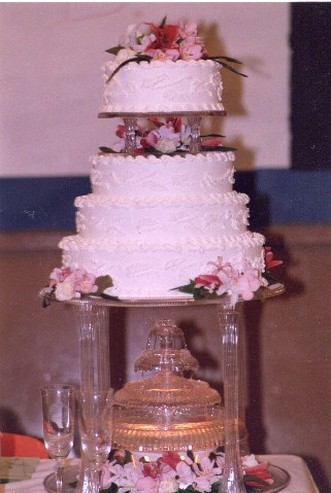 Big Wedding Cake With Flowers Photo
