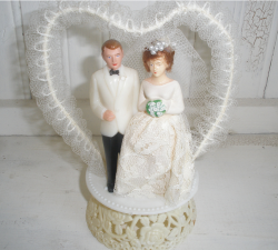 50s wedding cake topper picture.PNG