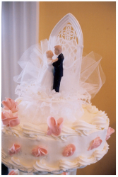 Beautiful traditional wedding cake toppers picture.PNG