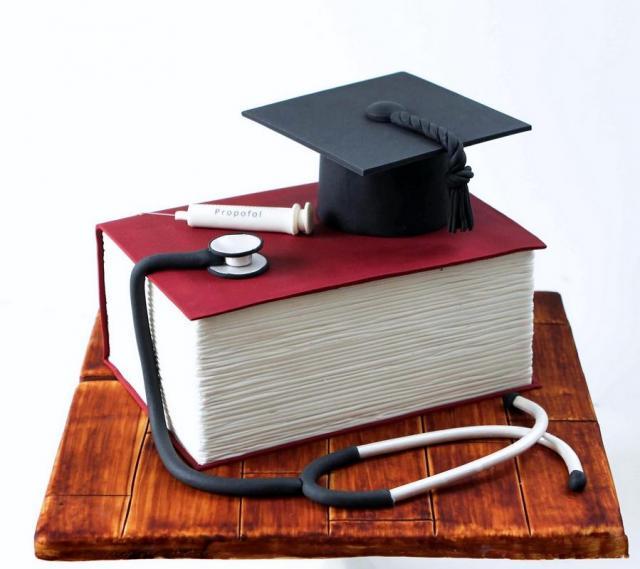 Medical Doctor Or Nurse Theme Graduation Cake Stethoscope