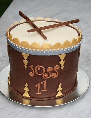 Brown drum and sticks birthday cake.JPG