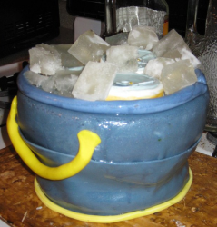 Fathers day Beer bucket cake.PNG