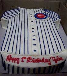 Chicago Cubs jersey cake.JPG