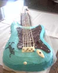 Fathers day guitar cake in blue.PNG