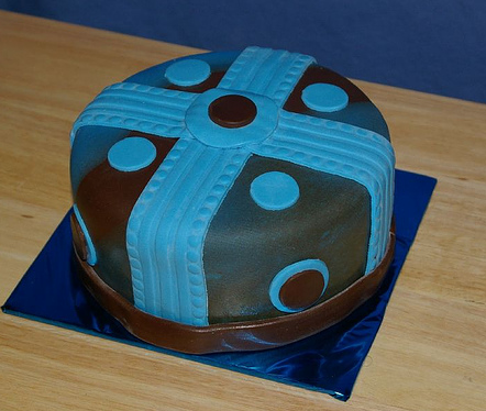 Modern fathers day cake in blue and brown chic colors cake decors.PNG