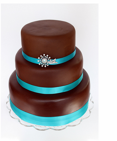 Rich Chocolate Starburst Brooch Wedding Cake With Bright