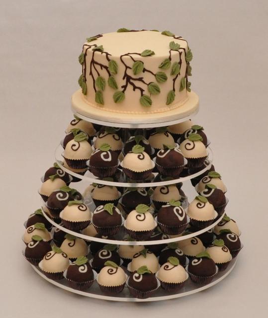 Decoration Of Chocolate Truffle Cake : Truffles Cake and cupcakes with white and dark chocolate ...