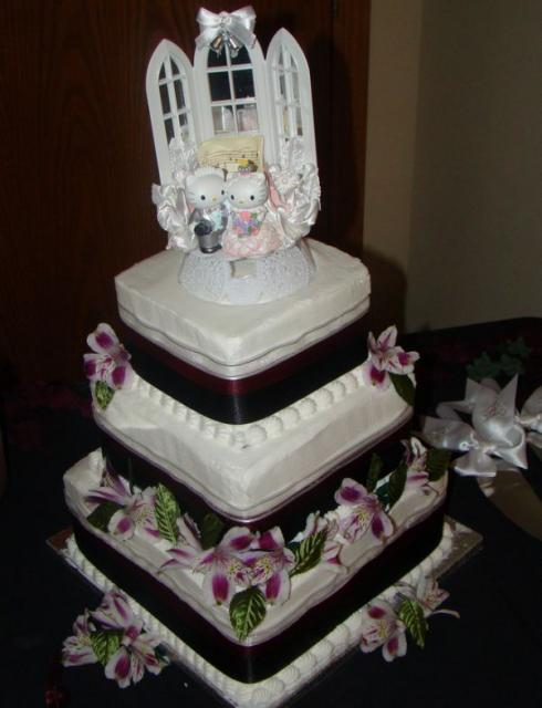 hello kitty wedding cakes three tier wedding cake with hello kitty toppers jpg 15198