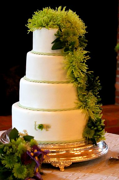 two tier purple and green wedding cakes four tier wedding cake with green plant and flowers jpg 21344