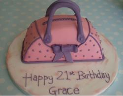 Pink handbag 21st birthday butter cream cake.JPG