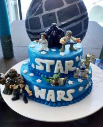 2 tier Star Wars cake with Darth Vader Luke Skywalker Princess Leia Yoda Han Solo Chewbacca R2D2 C3PO.JPG