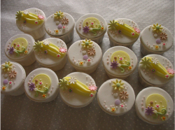 Garden theme cupcakes photo.PNG