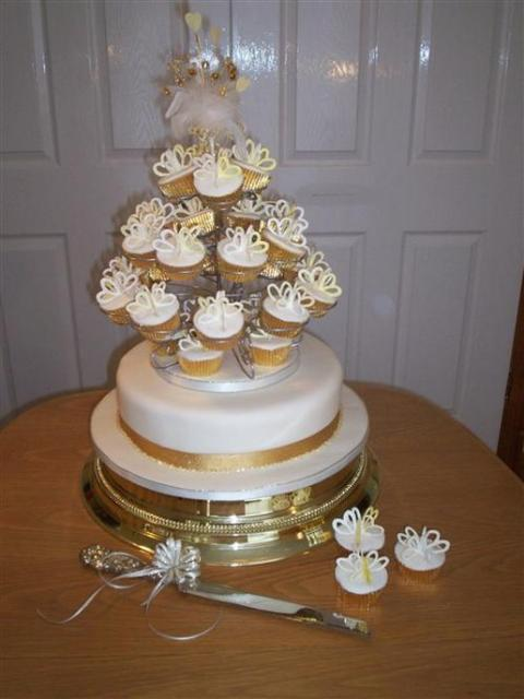 Individual Cup Cakes_Fruit Wedding Cake