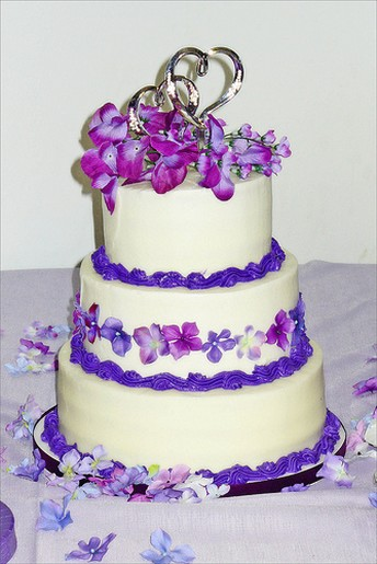 Bright Purple Flowers Wedding Cake