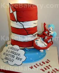 Dr-Seuss-Cat-in-the-hat-cake