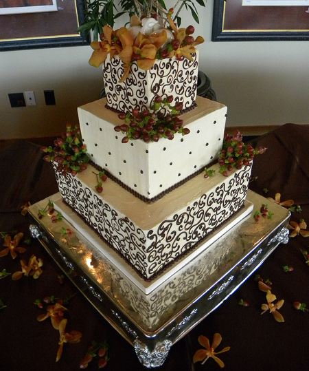 Three Tier White Square Wedding Cake With Cream Cheese And Ganache With Fresh Flower PetalsJPG