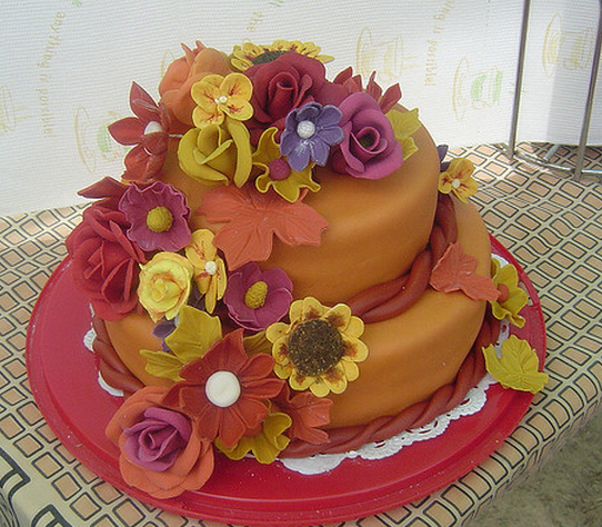 Beautiful Thanksgiving Cake With Full Of Cake Flowers In
