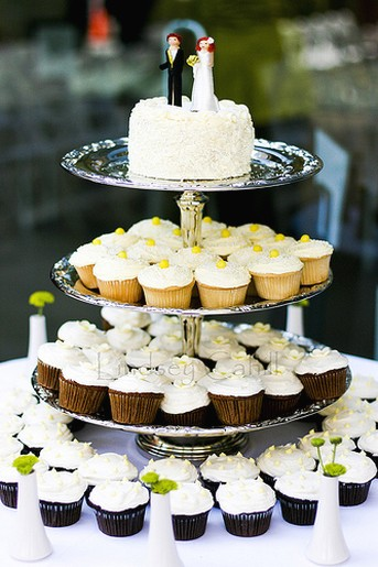 two types of cup cakes for wedding. Black Bedroom Furniture Sets. Home Design Ideas