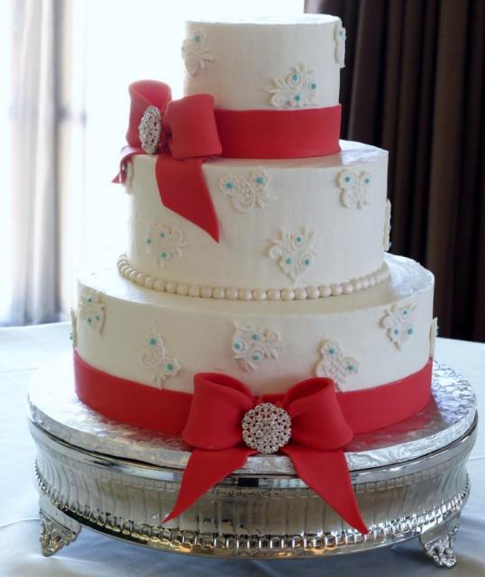 3 Tier White Wedding Cake Floral Patterns Large Red Bows Jpg Hi