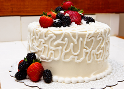 Engagment cake with fresh fruits.PNG