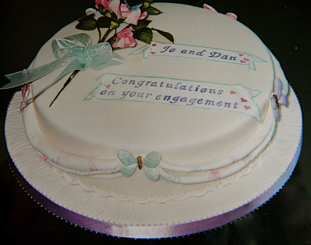 Traditional engagement cake picture.PNG