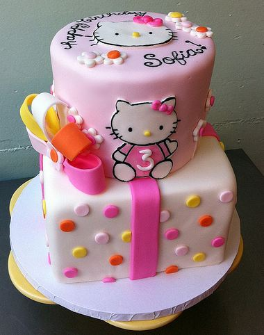 Hello Kitty Birthday Cake For 3 Year Old In 2 Tiers And Light Pink