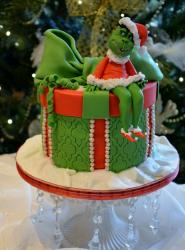 Green female Grinch Christmas cake.JPG