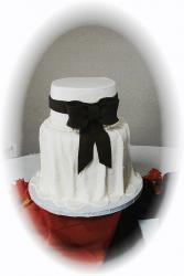 white dress bride cake.jpg
