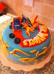 Round powder blue Hot Wheels theme cake.JPG