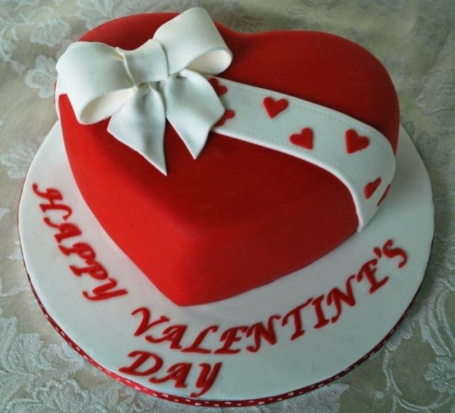 Red Heart Shaped Valentine Cake With White Cake Bow Png