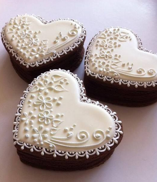 Chocolate heart shaped cupcakes pictures.PNG