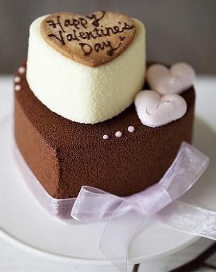 Dark chocolate and white chocolate valentine cake decor ...