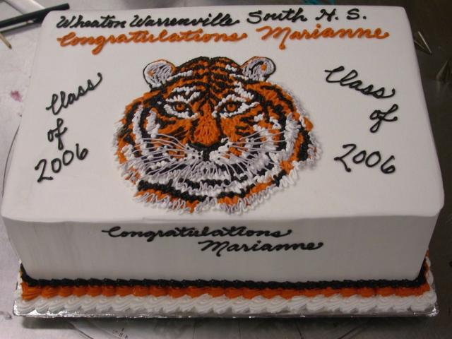 face of lion graduation cake.jpg