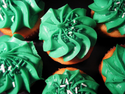 St. Patrick's Day cup cakes picture.PNG